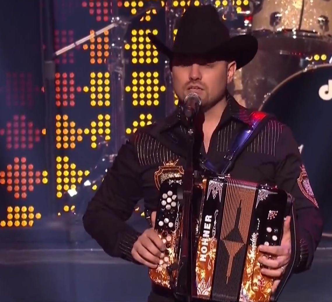 Anacleto Acordeones en los Premios Billboard de México